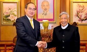 Chủ tịch Nguyễn Thiện Nhân thăm chúc Tết nguyên Tổng Bí thư Đỗ Mười, Lê Khả Phiêu