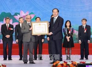 Chủ tịch nước trao giải thưởng cho cụm công trình về Trường Sa