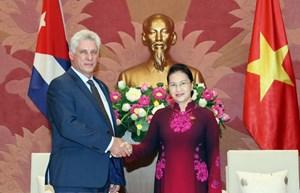 Chủ tịch Quốc hội Nguyễn Thị Kim Ngân hội kiến Chủ tịch Cuba