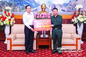 Chủ tịch Trần Thanh Mẫn trao 200 triệu hỗ trợ đồng bào tỉnh Lào Cai
