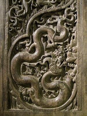Chuyên gia Nhật Bản giúp tu bổ cánh cửa chùa Phổ Minh