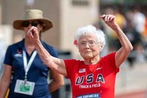 Cụ bà 103 tuổi vô địch thi chạy