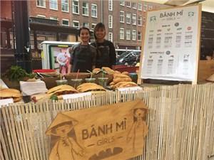 Cô gái bán bánh mì Việt tại Hà Lan