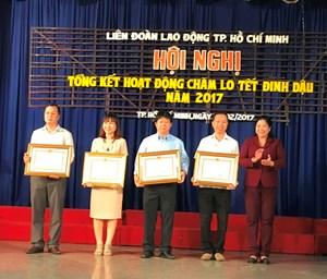 Công đoàn hỗ trợ vé xe cho hơn 5 vạn công nhân về quê đón Tết