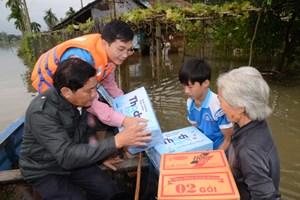 Công ty BSR cứu trợ khẩn cấp đồng bào lũ lụt tỉnh Quảng Ngãi