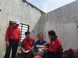 Cứu trợ khẩn cấp 1,558 tỷ đồng cho người dân 6 tỉnh miền Trung