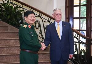 Đại tướng Ngô Xuân Lịch tiếp Bộ trưởng Quốc phòng Hoa Kỳ