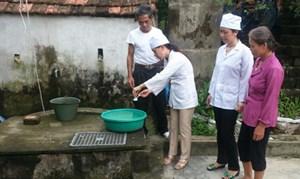 Đảm bảo sức khỏe cộng đồng  trong mùa bão lũ