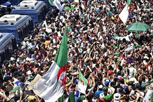Các đảng đối lập ở Algeria đề xuất giải pháp đối thoại