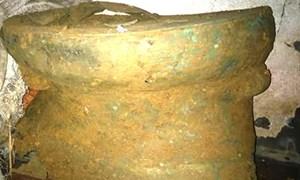 Đào móng, phát hiện trống đồng cổ 2.000 - 2.500 tuổi