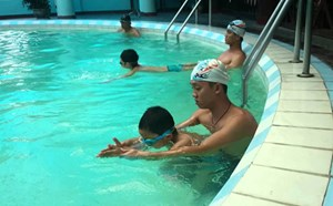 Dạy bơi cho trẻ - Không thể chần chừ