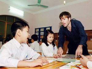 Đề nghị tăng thời lượng dạy tiếng Anh cho học sinh phổ thông