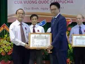 ĐH Y Dược Thái Bình nhận Huân chương Hữu nghị Vương quốc Campuchia trao tặng