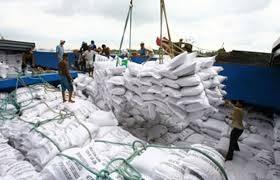 Điều chỉnh lại hoạt động kinh doanh xuất khẩu gạo