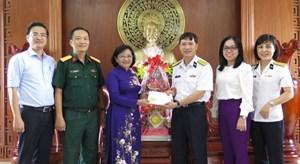 Đoàn công tác TP Hồ Chí Minh thămbộ đội vùng 4 Hải quân