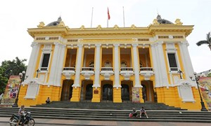 Đưa chương trình nghệ thuật tại Nhà hát Lớn Hà Nội vào tour du lịch