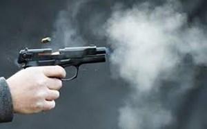 Dùng súng 'thanh toán' nhau, 3 người trọng thương