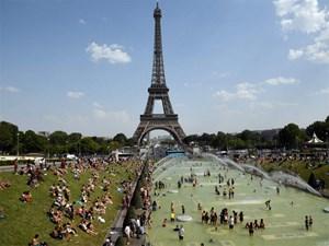 Châu Âu quay cuồng trong nắng nóng