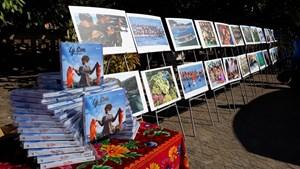 Quảng Ngãi: Triển lãm và ra mắt sách ảnh 'Lý Sơn - Hôm nay'