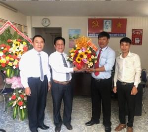 Lãnh đạo tỉnh Khánh Hòa thăm, chúc mừng VP Báo Đại Đoàn Kết tại Nha Trang
