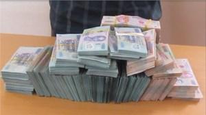 'Găm' hơn 2 tỷ đồng vượt biên sang Lào thì bị bắt
