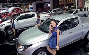 Giá ô tô đang giảm mạnh