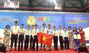 Học sinh Việt Nam giành 2 Huy chương Vàng về phát minh, sáng chế