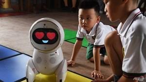 Giáo viên robot gây sốt tại hơn 600 nhà trẻ của Trung Quốc