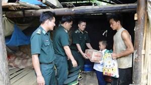 Giúp đồng bào nơi biên giới thoát nghèo