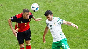 Góc chiến thuật Ireland 0-3 Bỉ: Dao hai lưỡi