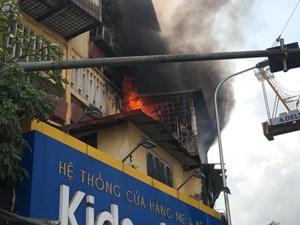 Hà Nội: Cháy lớn tại hiệu ảnh trên phố Tôn Thất Tùng