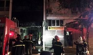 Hà Nội: Lại cháy lớn tại quán karaoke trên phố Nguyễn Khuyến