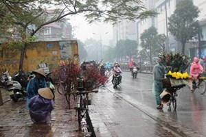 Hà Nội mưa rét, nhiều nơi khả năng cao có lốc, sét, mưa đá