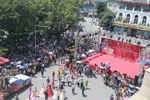 Hà Nội tổ chức Carnival đường phố lần thứ 2 tại phố đi bộ Hồ Gươm