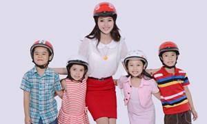 Hà Nội: Tổ chức ký cam kết đội mũ bảo hiểm cho học sinh