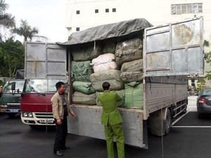 Hà Nội: Triệt phá lô hàng nhập lậu số lượng lớn