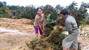 Hà Tĩnh: 6 người chết, thiệt hại gần 1.000 tỷ vì mưa lũ