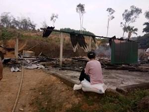 Hà Tĩnh: Lửa thiêu rụi ngôi nhà của cụ bà 80 tuổi