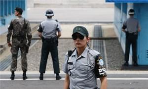 Hàn Quốc bất ngờ đề xuất đối thoại quân sự với Triều Tiên