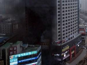 Hàn Quốc: Cháy lớn tại khách sạn 21 tầng, hàng chục người nhập viện