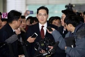 Hàn Quốc hoãn bắt giữ lãnh đạo tập đoàn Samsung