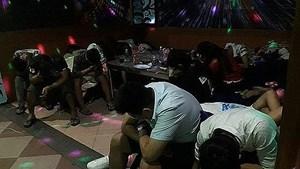 Hàng chục dân chơi phê ma túy trong quán karaoke