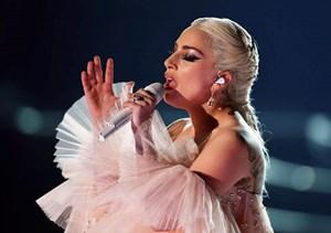Hành trình nước mắt của Lady Gaga