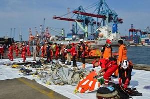 Hé lộ nguyên nhân máy bay Indonesia đâm xuống biển làm 189 người chết