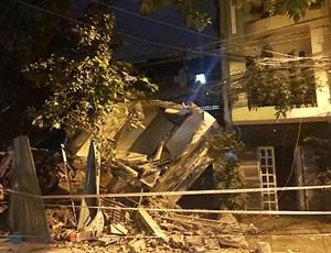 Hiện trường vụ sập nhà 3 tầng kinh hoàng ở TP HCM