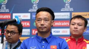 HLV Vũ Hồng Việt lo lắng về đối thủ