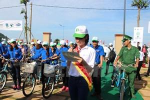 Hoa hậu biển Việt Nam phát động đạp xe giảm thiểu đốt rác ngoài trời