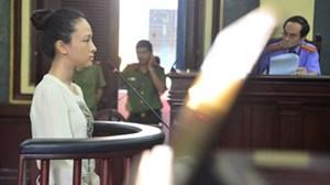 Hoa hậu Phương Nga tố đại gia vi phạm'hợp đồng tình ái'