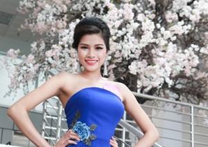 Hoa hậu Việt Nam 2016: Một thí sinh bị loại vì... làm răng sứ
