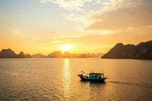 Hoàng hôn đẹp nhất châu Á ở vịnh Hạ Long, Mũi Né